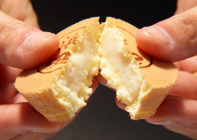 送って喜ばれる秋芳堂の饅頭